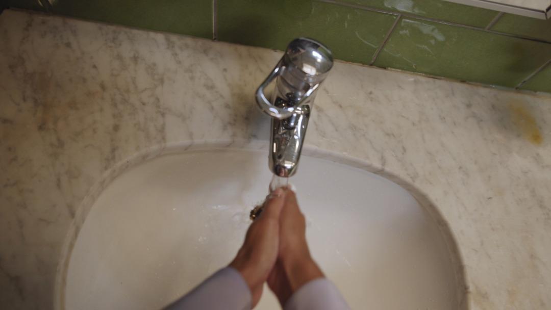 Washing hands-Still_1.30.1.jpg