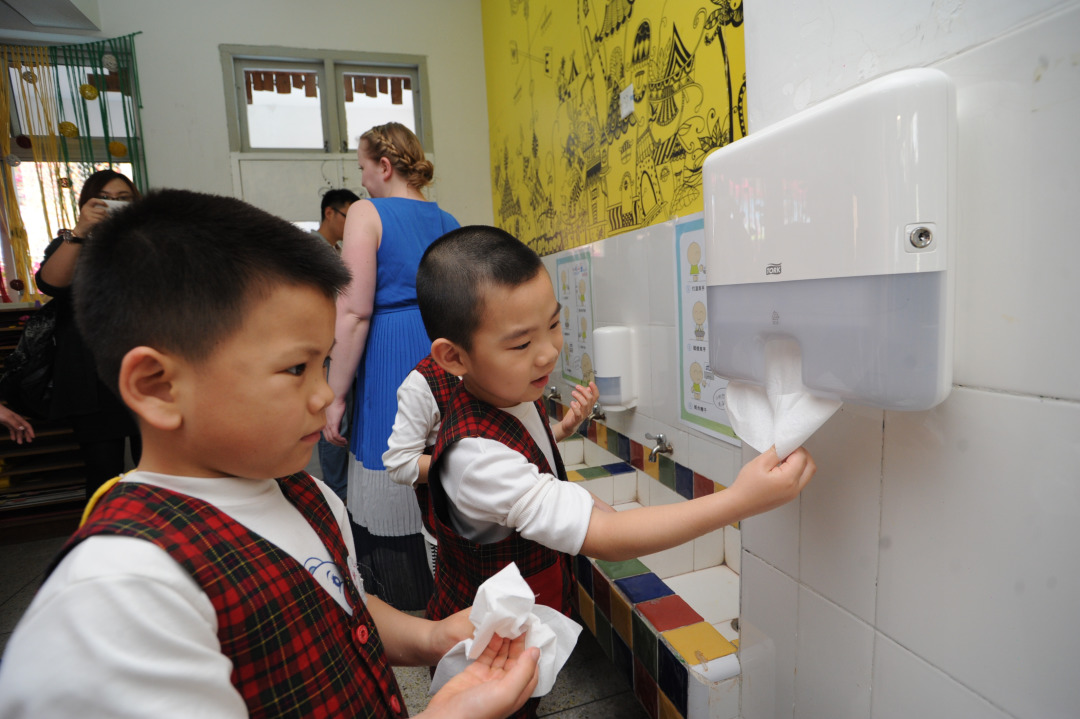 handwashing-in-preschool-china.JPG
